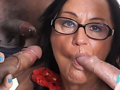 SCAMBISTI MATURI - Italian swinger in interracial DP orgy