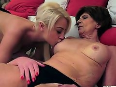 Teen Anastasia Blonde tasting an old pussy and gets licked