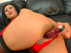 Voluptuous asian brunette Kitty Langdon takes part in quckie