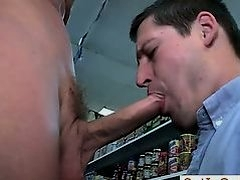 Dude engulfing some amazing shlong in store part1